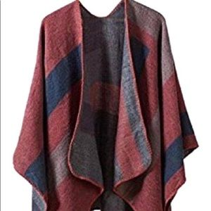 BB Dakota Poncho cardigan one-size
